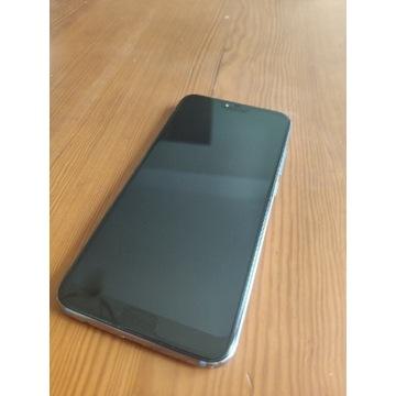 Smartfon HUAWEI Honor 10 - bardzo dobry stan