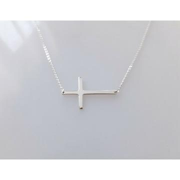 Nowy srebrny łańcuszek choker z krzyżykiem szafir