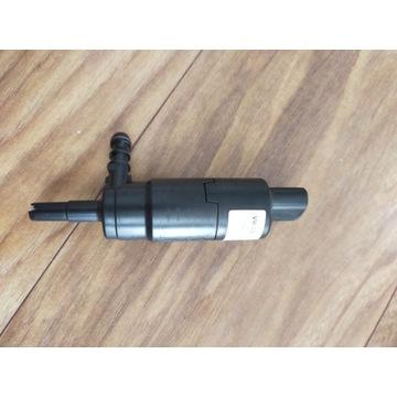 Pompka płynu spryskiwaczy reflektorów VW 3B7955681