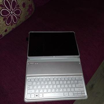 Acer Aspire P3 Series EE3 + klaw.KT-1252 Licytacja