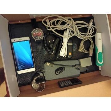 Paczka elektroniki i kabli