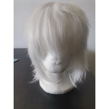 Biała peruka