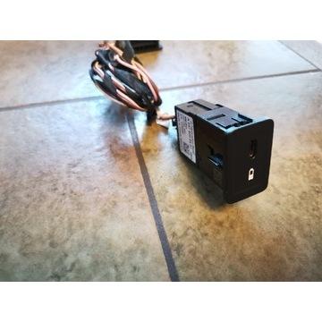 Gniazdo wtyk ładowarka USB C Mercedes a2478200401