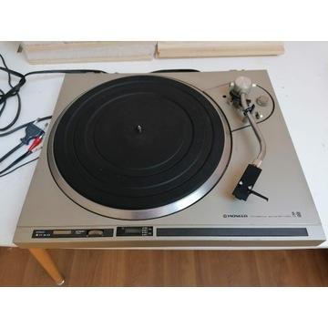 Gramofon Pioneer PL-100