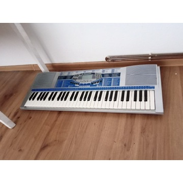 Keyboard Bontempi z bateriami, brak zasilacza.