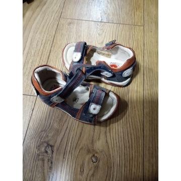 Sandałki chłopięce  rozmiar 19