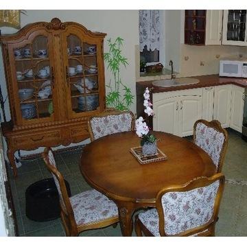 Piękny komplet komoda ,stół i 6 krzeseł