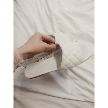 PLT białe pikowane klapki ekoskóra skórzane 38