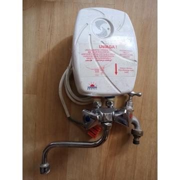 Elektryczny, przepływowy podgrzewacz wody TWISTER