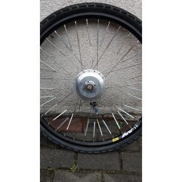 Kolo rowerowe z silnikiem elektrycznym
