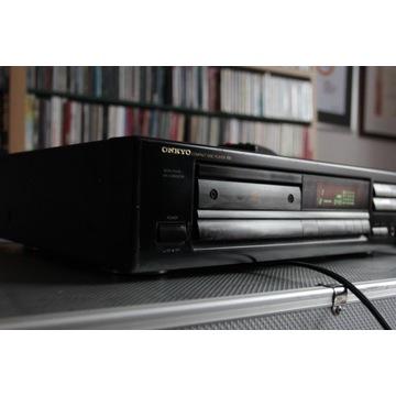 Odtwarzacz płyt CD marki Onkyo DX 6810+pilot