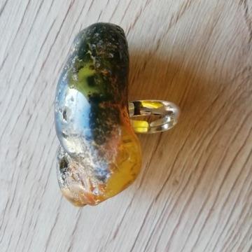 Bursztyn bałtycki zielony pierścionek srebro 14g