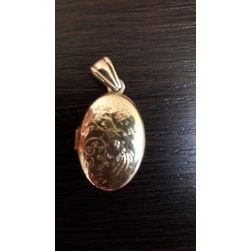 Złoty wisiorek  sekretnik pr.585