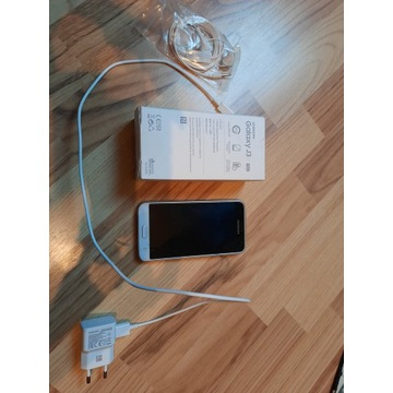 Telefon Samsung Galaxy J3 bialy 8Gb