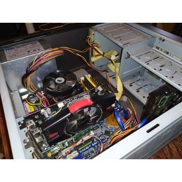 Komputer Q6600, Hd6770 1gb,RAM 4gb HDD 500gb, 350w