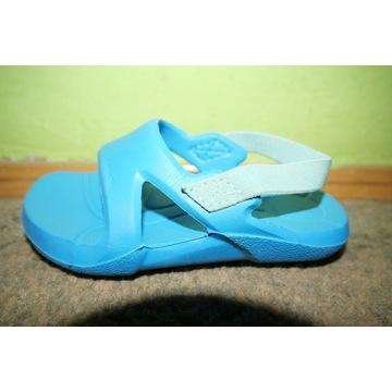 Sandały klapki basenowe prysznic Nabaiji 22 23