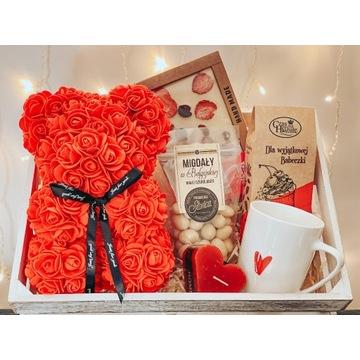 gift box, zestaw prezentowy miś z róż rose bear