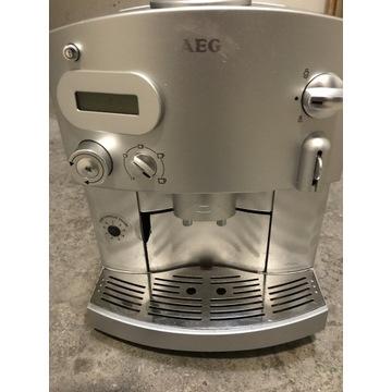 Ekspres ciśnieniowy do kawy AEG CaFamosa