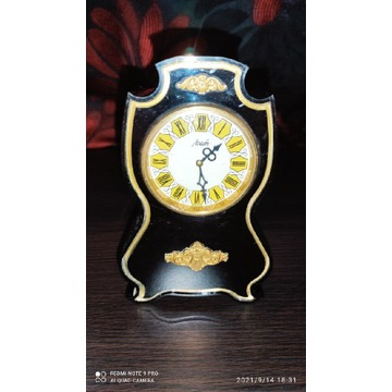 Dekoracyjny zegar stołowy Agat CCCP bakelit