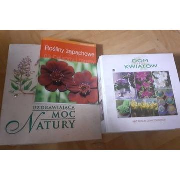 Zestaw książek i publikacji o kwiatach i roslinach