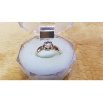 Złoty pierścionek z oczkiem próba 585