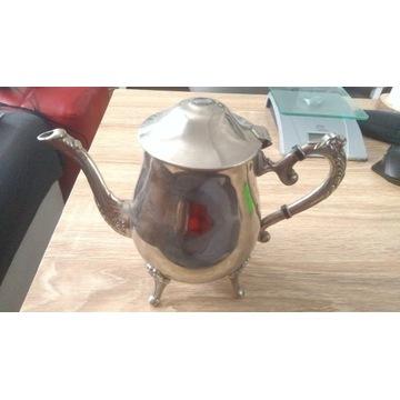 Metalowy imbryk, czajnik, dzbanek