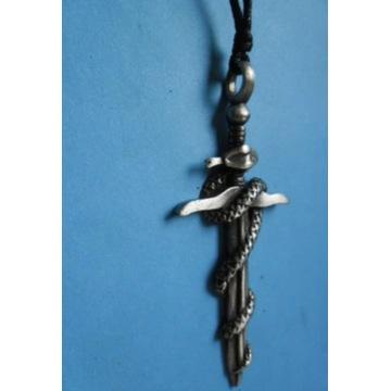Wąż oplatajacy miecz-w metalu.Amulet