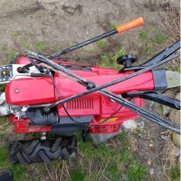 Traktorek ogrodniczy Honda F560 plus zamiatarka