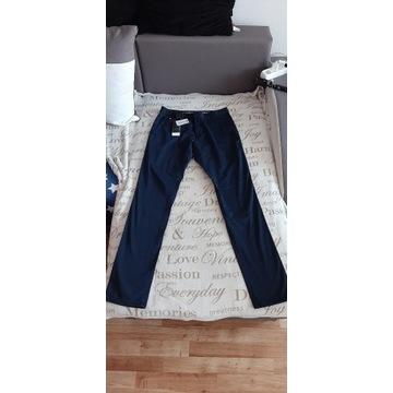 Nowe spodnie Armani