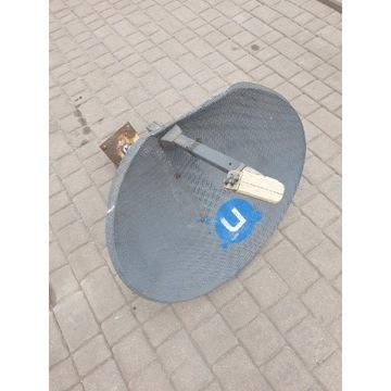 Antena satelitarna z konwerterem quad i uchwytem