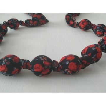 Korale kwiaty czerwono czarny materiał