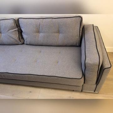 Rozkładana sofa z pojemnikiem na pościel