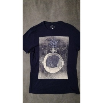 t-shirt carry s