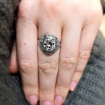 Platynowy pierścionek z brylantem ok. 2.50ct, HRD