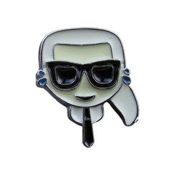 Przypinka Karl Lagerfeld Emoji Kucyk Moda 2020