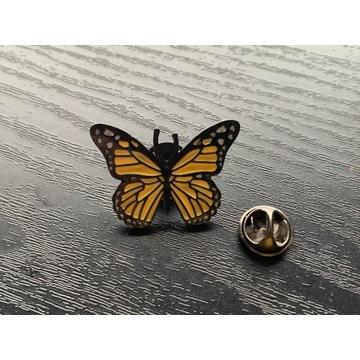 Przypinka wpinka znaczek motyl