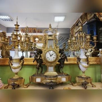 Zegar mosięzny z dwoma kandelabrami