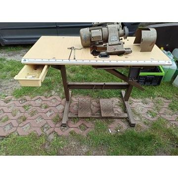 Silnik 220/380 owerlocka + stół