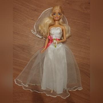 Lalka Barbie w sukni ślubnej