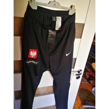 """Spodnie dresowe Nike czarne """"L"""""""