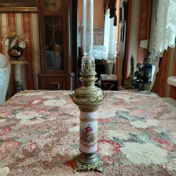 Wideńska stara lampa naftowa