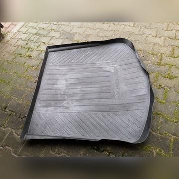 gumowy dywan do bagażnika Forda Mondeo 2008_