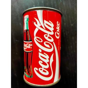 Puszka Coca Cola- około 7cm x 4,5cm
