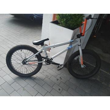 Rower BMX Mongoose L20