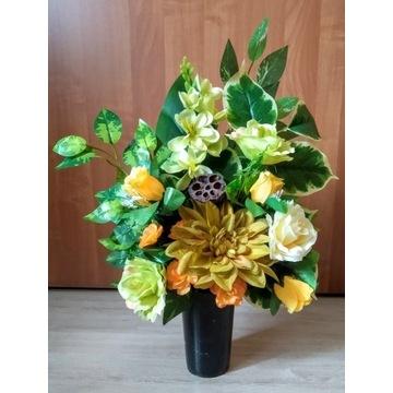 Bukiet wkład do wazonu kwiaty na grób cmentarz