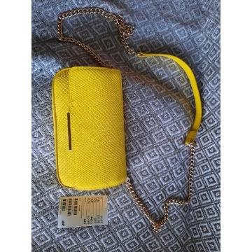 Torebeczka mala  zolta ze zlotym lancuszkiem H&M