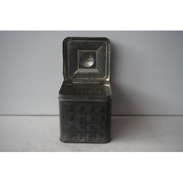 Stara metalowa puszka do herbaty lub kawy