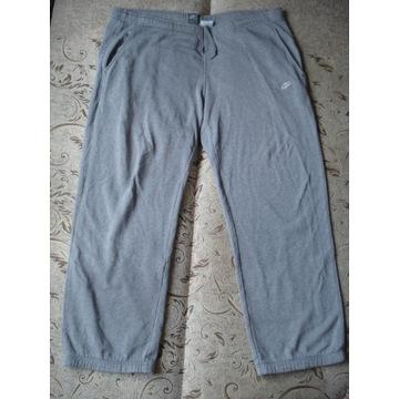 Spodnie Nike roz. XL pas 116-124