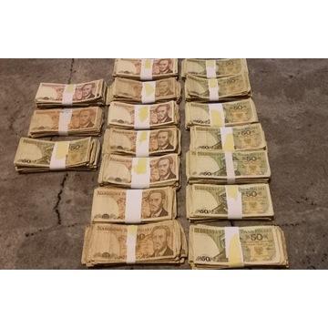 850 banknotów