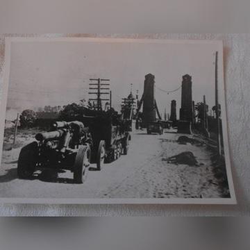 WALKI O ZDOBYCIE OSTROWA - Oryginalne zdjęcie
